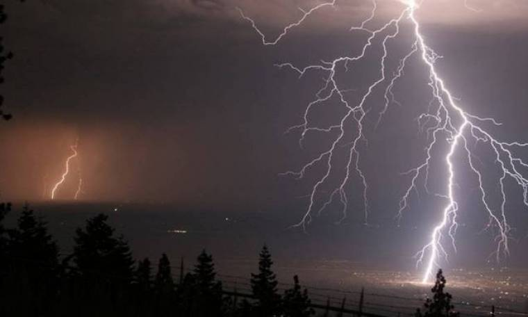 ΠΡΟΣΟΧΗ: Ξεκινά το κύμα κακοκαιρίας σε λίγη ώρα - Πού θα «χτυπήσουν» τα ακραία καιρικά φαινόμενα