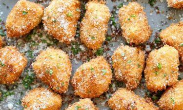 Κοτομπουκιές με παρμεζάνα: Δεν έχετε φάει πιο νόστιμες!