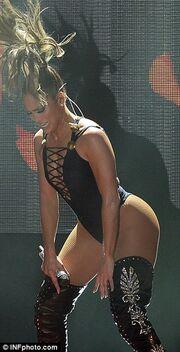 Πιο γυμνή από ποτέ σε συναυλία της η…