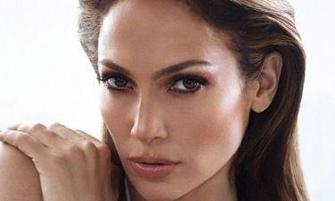Whaaat? Αυτή τη beauty blogger μεταμορφώνεται σε Jennifer Lopez μέσα σε 60''!