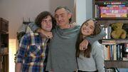 Μην αρχίζεις τη μουρμούρα: Ο μπαμπάς της Λένας, η απιστία και τα ευτράπελα