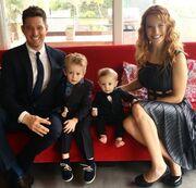 Σοκ! Διαγνώστηκε με καρκίνο ο τρίχρονος γιος γνωστού τραγουδιστή