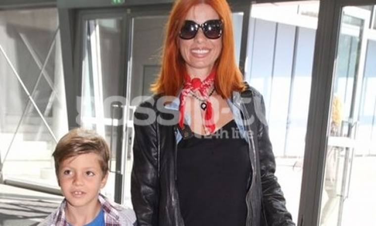 Άντζυ Ανδριτσοπούλου: Στο θέατρο με τον γιο της