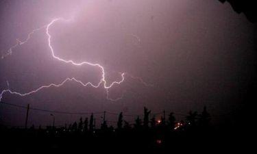 Πλησιάζει η κακοκαιρία: Ισχυρές βροχές και καταγίδες - Ποιες περιοχές θα πληγούν