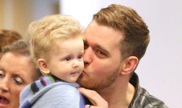 Δύσκολες ώρες για τον Michael Buble- Ο 3χρονος γιος του ξεκινάει χημειοθεραπείες