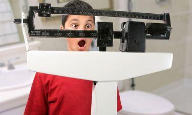 Παιδική παχυσαρκία: Οι δύο παράγοντες που αυξάνουν τον κίνδυνο