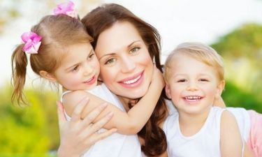 6 τρόποι που τα παιδιά σας, σας λένε «σ' αγαπώ» (χωρίς να το πουν)