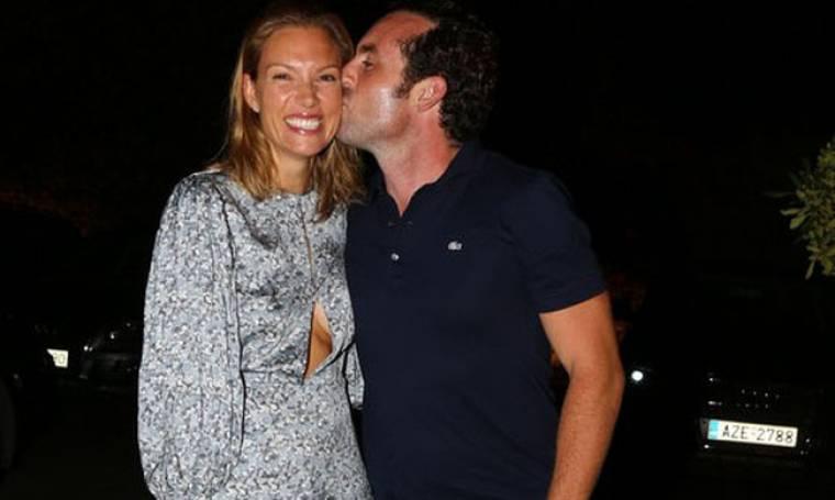 Βίκυ Καγιά: «Ο σύζυγος μου δε μου χαλά χατίρι»
