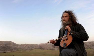 Ο Ψαραντώνης σε μία μουσική παράσταση με τραγούδια από ολόκληρη την δισκογραφία του