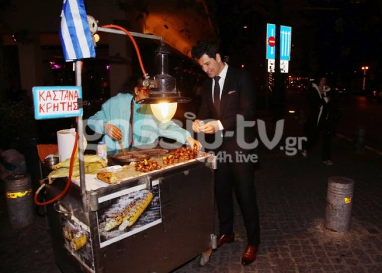 Σάκης Ρουβάς: Και στην φουφού του καστανά…