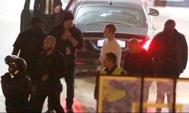 Justin Bieber: Έριξε μπουνιά σε fan και μετά τα έβαλε με την ασφάλειά του