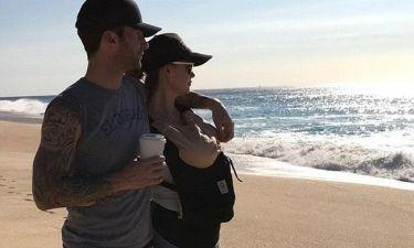 Ο Adam Levine και η Behati Prinsloo είναι το πιο όμορφο ζευγάρι που μπορείς να δεις στις κερκίδες