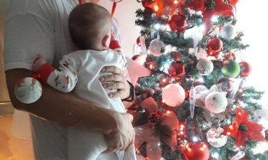 Λιώσαμε! Τα πρώτα Χριστούγεννα με την κορούλα του για γνωστό ηθοποιό