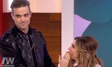 Η γυναίκα του Robbie Williams… προσποιείται οργασμό. Η απίστευτη αντίδραση του τραγουδιστή