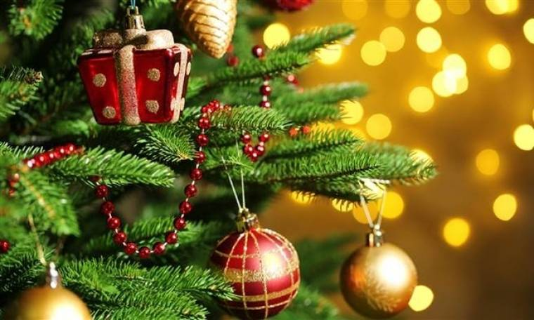 Και όμως. Πασίγνωστη ηθοποιός αποκαλύπτει πως δεν έχει στολίσει ποτέ της χριστουγεννιάτικο δέντρο