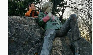 Όταν η Νικολέτα Ράλλη συνάντησε τον… Όσκαρ Γουάιλντ