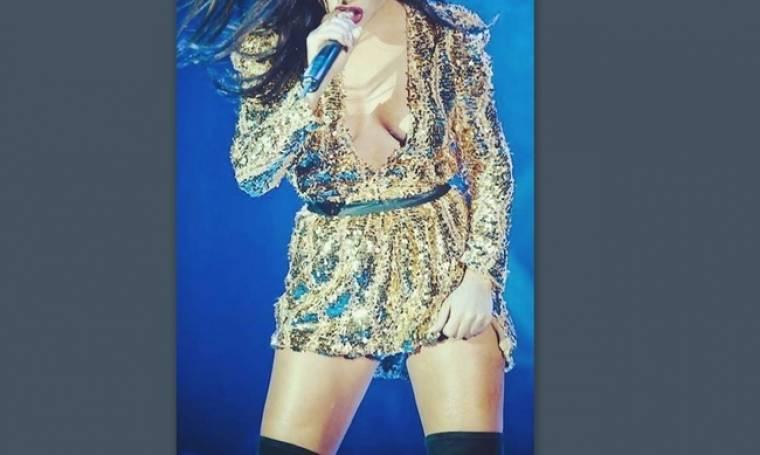 Ελληνίδα τραγουδίστρια πιο σέξι από ποτέ «αναστατώνει» τα πλήθη