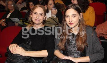 Φωτεινή Αθερίδου: Στο θέατρο με την μητέρα της