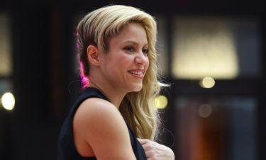 Shakira: Κυκλοφόρησε άρωμα στο σχήμα του σώματός της