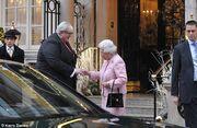 Ένας μεθυσμένος άντρας μπήκε στο ξενοδοχείο που έτρωγε η βασίλισσα Ελισάβετ