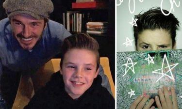Cruz Beckham: Το viral χριστουγεννιάτικο τραγούδι του και οι αποκαλύψεις για τους διάσημους γονείς