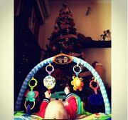 Λιώσαμε με τη φωτoγραφία του τριών μηνών γιου της Ελληνίδας τραγουδίστριας!