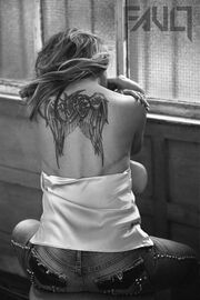 Anastacia:«Οι ουλές μου είναι σαν χάρτης, αλλά ήθελα να δείξω σε όλες τις γυναίκες ότι είναι ΟΚ»