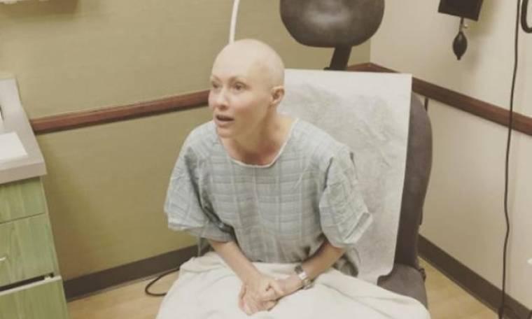 Σοκάρει ξανά η Shannen Doherty-Ανέβασε βίντεο την ώρα που κάνει ακτινοβολία για τον καρκίνο!