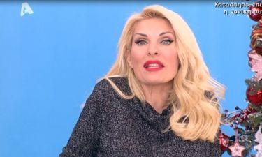 Η Ελένη Μενεγάκη εμφανίστηκε με πουλόβερ και αποκάλυψε...