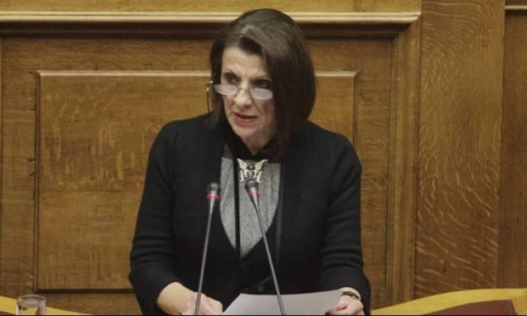 Μαρία Κανελλοπούλου: «Οι πολιτικοί δεν μπορούν ν' ακουμπήσουν την δουλειά του ηθοποιού»