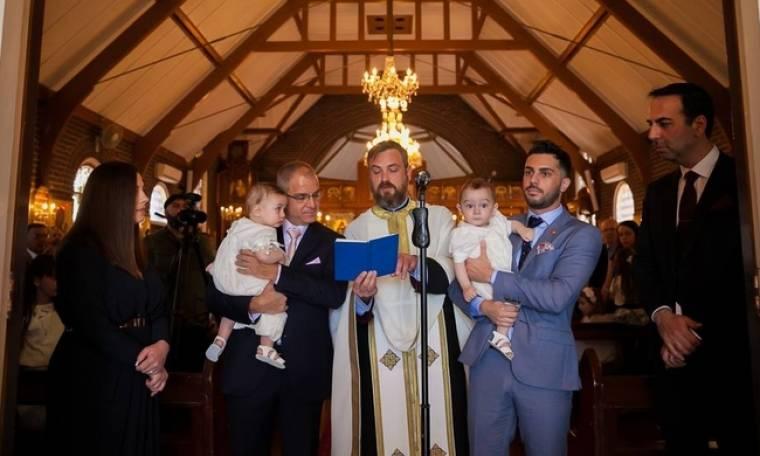 Κώστας Γρίμπιλας: Το φωτογραφικό άλμπουμ από τη βάπτιση των διδύμων του (φωτό)