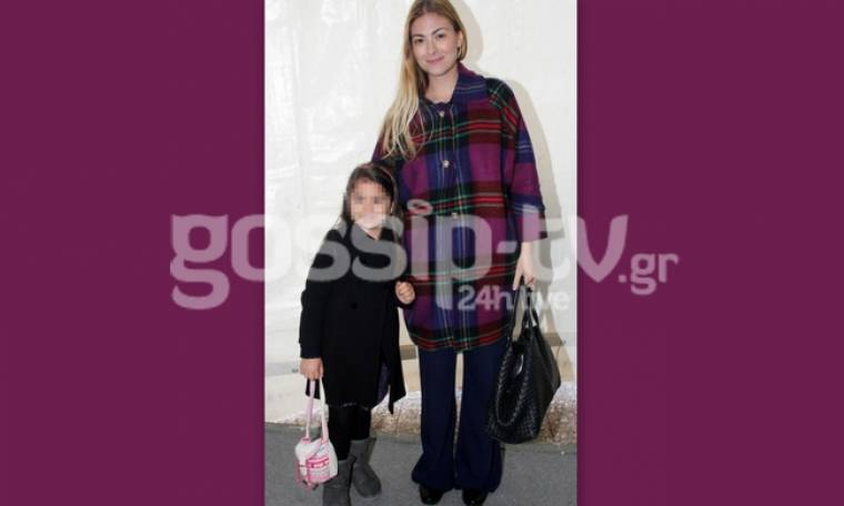 Δέσποινα Καμπούρη: Mε την κόρη της Έλενα στην επίσημη πρεμιέρα του «Peter Pan on ice»