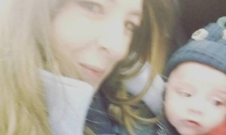 Αλίκη Κατσαβού: Τo πρώτο ταξίδι με το νεογέννητο γιο της