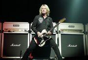 Πένθος στην παγκόσμια μουσική σκηνή: Έφυγε από τη ζωή θρύλος της ροκ!