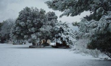 Καιρός: Χιονίζει ΤΩΡΑ στην Αττική - Δείτε LIVE εικόνα
