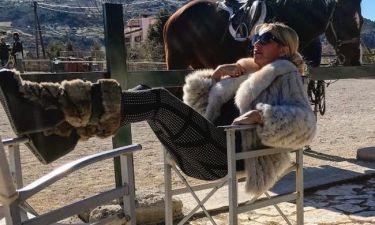 Γωγώ Μαστροκώστα: Φωτογραφίες από τις διακοπές της στην Αράχωβα