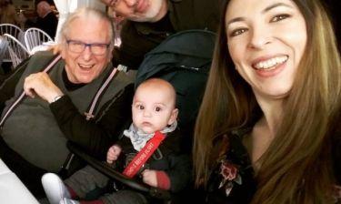 Γενέθλια για τον Κώστα Βουτσά – Έξοδος με τη γυναίκα και τον γιο τους