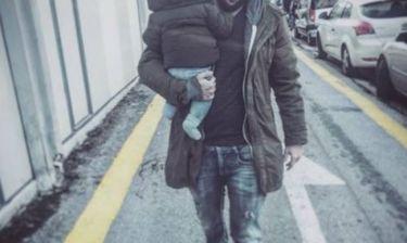 H πρώτη βόλτα μπαμπά και γιου για το 2017 - Το τρυφερό μήνυμα της γνωστής Ελληνίδας μανούλας