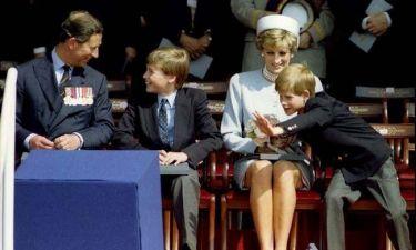Οι συγκινητικές επιστολές της Diana: «Ο πρίγκιπας Χάρι έχει συνεχώς μπλεξίματα»