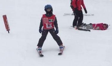 Λιάγκας- Σκορδά: Δείτε τον Γιαννάκη τους να κάνει snowboard - Οι διακοπές με τον μπαμπά του