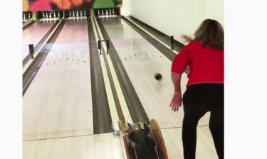 Η Kim Cattrall κάνει… strike!