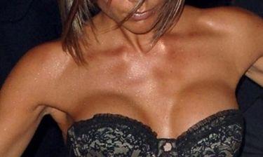 Διάσημη μετάνιωσε την πλαστική στήθους: «Μη τα βάζεις με τα β@ζια σου»