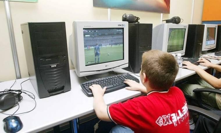 Πόσες ώρες μπορούν να περνούν οι έφηβοι μπροστά σε υπολογογιστές;