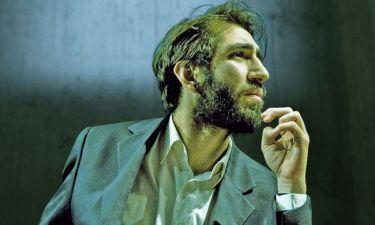 Χάρης Φραγκούλης: «Κι αν σήµερα κάνω θέατρο, είναι από ανηµπόρια. Από αδυναµία»