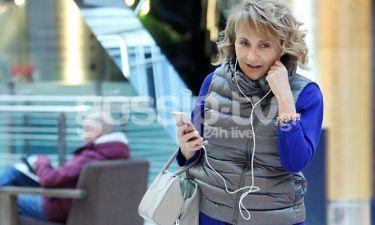 Μάρα Ζαχαρέα: Με casual εμφάνιση σε εμπορικό κέντρο