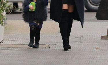 H διάσημη κληρονόμος με την 3 χρονη κορούλα της τραβούν και πάλι τα βλέμματα