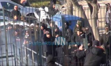 Πετροπόλεμος! Σοβαρά επεισόδια σε τοπικό στην Ναύπακτο! (video)