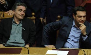 Guardian: Η Ελλάδα έχει τρεις εβδομάδες να αντιμετωπίσει το… χρέος