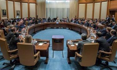 ΔΝΤ: Πετάει σε Ελλάδα και Ευρωπαίους το μπαλάκι για την αξιολόγηση