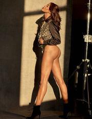 Ολόγυμνη η Naomi Campbell